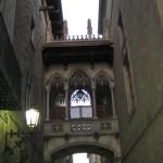 Seufzerbrücke im Viertel Barri Gotic