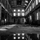 alte, vernachlässigte Halle
